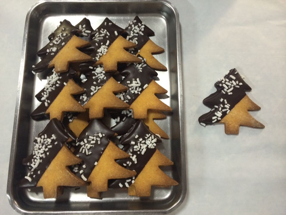 Alberini di Natale con cioccolato e zucchero